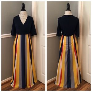 Dresses & Skirts - NEW NAVY COLOR STRIPED MAXI DRESS WITH POCKETS